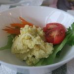シロネプレッソ - スパゲッティナポリタンについてくるサラダ