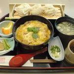 秋田比内や - 親子丼とうどんのセット