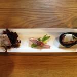 53136434 - 前菜(3種)                       ・福井ポークのテリーヌ、粒マスタード添え                       ・さっとあぶった魚(鯵だったかな?)のオリーブオイル和え?                       ・タコとクスクスのマリネ