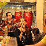 ワイン居酒屋 MERCATO - SHIOKOSHOWのライブ