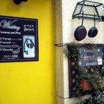 フェスタ カリーナ - お店の外観です