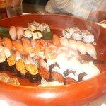 魚浜 - 寿司(この大きさのが更に2つ)