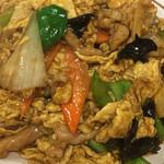 上海厨房 家楽 - キクラゲと豚肉、玉子炒め