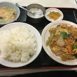 上海厨房 家楽 - 日替りランチのキクラゲと豚肉、玉子炒めの定食 600円!