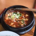 中国料理 東昇餃子楼 - 麻婆豆腐定食 600円。グツグツ、山椒のピリ辛と大満足ランチ。ごちそうさまでした。