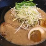 RAMEN TOMIRAI - 豚骨魚介 特製らぁめん 880円