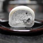 53143865 - 「黒豆塩ロールケーキ(しろ)」