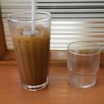 ドトールコーヒーショップ - 2016.7.3 余りの熱さに駆けつけ2杯。コーヒーも2口飲んじゃった。