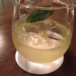 ブルーブックスカフェ - サングリア 白