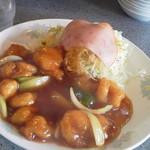 Toukaen - 大きめのお皿に小エビが10匹!お値打ちです。
