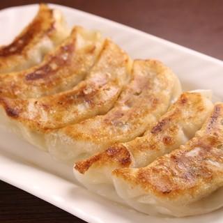 【ランチ】餃子12個!ボリュームたっぷりランチ