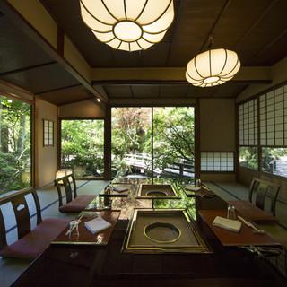奥高尾の山里に合掌造りの集落なつかしき日本の情景