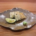 やまさん - 天然鰻の白焼き 鰻の旨味を山葵と塩柑橘が引き立てています!