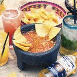 LAS DOS CARAS MODERN MEXICANO Y TACOS -