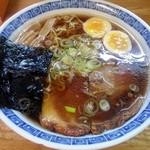 らーめん 池のかえる - 料理写真:醤油ラーメン