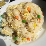 中華料理 味鮮楼 - ランチメニュー、チャーハンと台湾ラーメンのセットのチャーハン。
