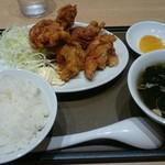 よ志乃 - 唐揚げ定食(小ラーメンなし)