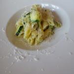 53166994 - お任せランチコースの本日のパスタ料理 ペンネ ズッキーニのソース
