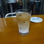 P.C.M Pub Cardinal - アイスカフェラテ