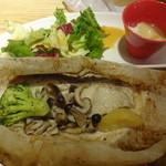 おぼんdeごはん - 白身魚とキノコの紙包み焼き:1,296円