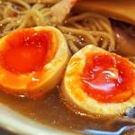 燃えよ麺助 - 特製金色貝そば(極み味玉)