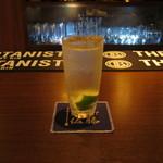 The bar 佐藤 - 「ジントニック」です。
