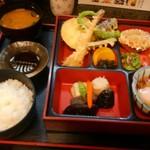 蔵の美食館 北八方 - 天ぷら定食 税込880円