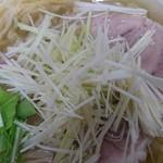 無化調らーめん 波の花 - 料理写真:塩白髪ネギらーめん