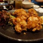 秋田川反漁屋酒場 - 鶏の唐揚げかと思いきやタコとんび