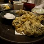 秋田川反漁屋酒場 - クロ藻の天ぷら