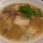 薫 - 豚骨ラーメン(600円)