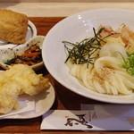 ひだりうま - 料理写真:朝挽き鶏天ぶっかけ、京風いなり