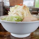 銀の豚 - 料理写真:銀郎らあめん+全増し