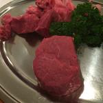 53199246 - 削られた肉と芯の部分(^^)