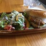 サンバーガー - 白味噌チーズバーガー+サラダ