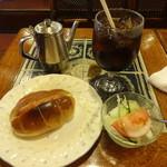 アカシヤ - ホットドッグモーニング(アイス):480円