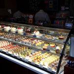 パティスリープラネッツ - ケーキの陳列