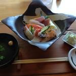 53209305 - 生ちらし寿司は、+選べる甘味で1340円