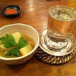ひなたかなた - お通し & 白瀑(しらたき)純米酒 ど辛 +12