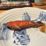 東日本橋 かどわき - 「本日の焼魚 紅鮭」 2016年4月