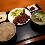 杜の都 太助 日本橋店 - 牛タン焼き(塩)とろろセット