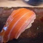 中央市場 ゑんどう - ☆サーモン食べるの久しぶりですね(#^.^#)☆