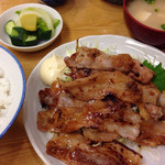 むらこし食堂 - 生姜焼き定食