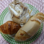 薪窯天然酵母パン工房 オ フルニル デュ ボワ - 料理写真:今回購入の3種