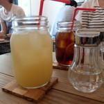 トタンコットンカフェ - グレープフルーツジュース