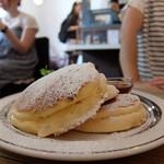 トタンコットンカフェ - メープルパンケーキ