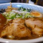 麺吉 - ラーメン並盛り+味玉プラス(11:30~14:00のランチサービス)750円