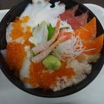 馬鹿値食堂 - 1回目の海鮮丼580円カニの活きが気になった
