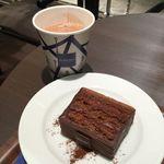 ジャンポール エヴァン チョコレート バー - ケーキ オルリー (Gâteaux Orly)       ショコラショ ブラジル(Chocolat chaud Brésil)