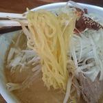 屋台ラーメン - 麺アップ
